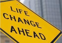 """人生不易,且行且珍惜――""""中年危机""""真的存在吗?"""
