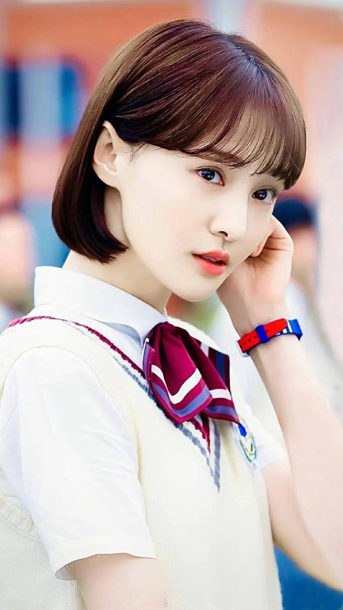 这次杨紫更是和好朋友郑爽拥有了同款发型,为这些短发直爽的女星们图片