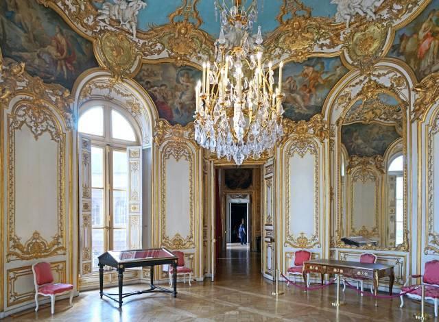 法国顶级人体艺术_【保利珠宝尚品】且诉柔肠-法国洛可可艺术之旅