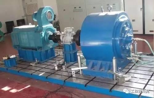 机械特性软的生产机械,使用串励或复励直流电动机,例如电车,电机车