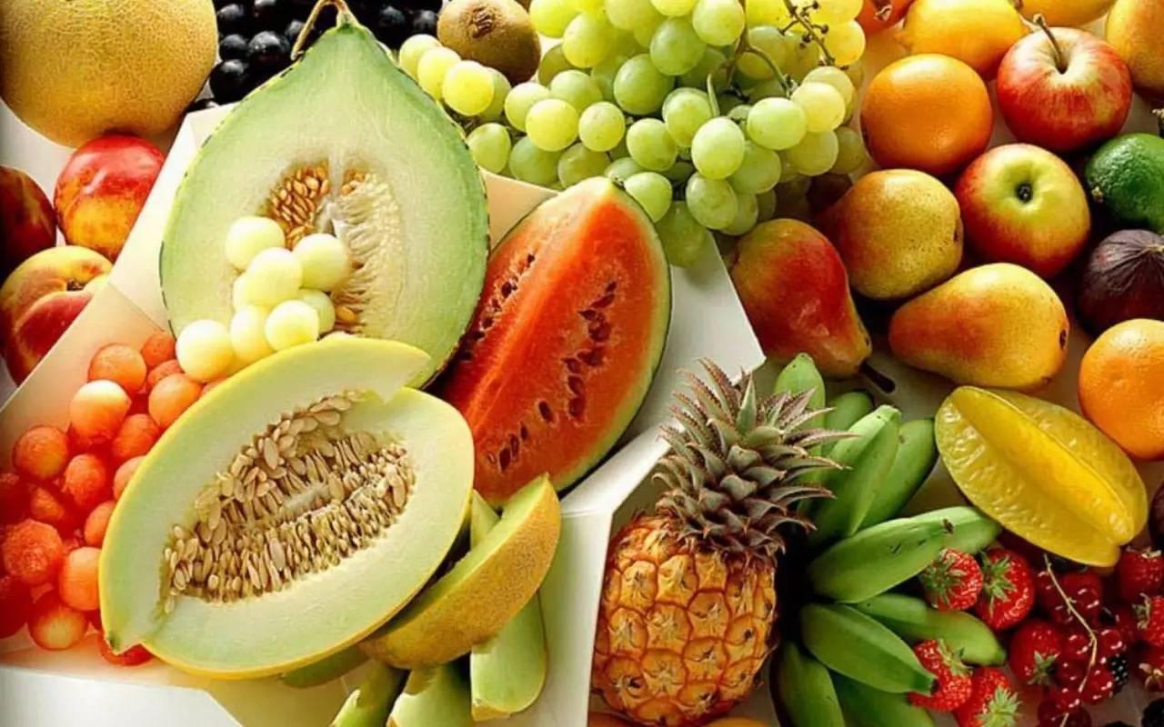 有一大堆水果的是什么休闲游戏五个字