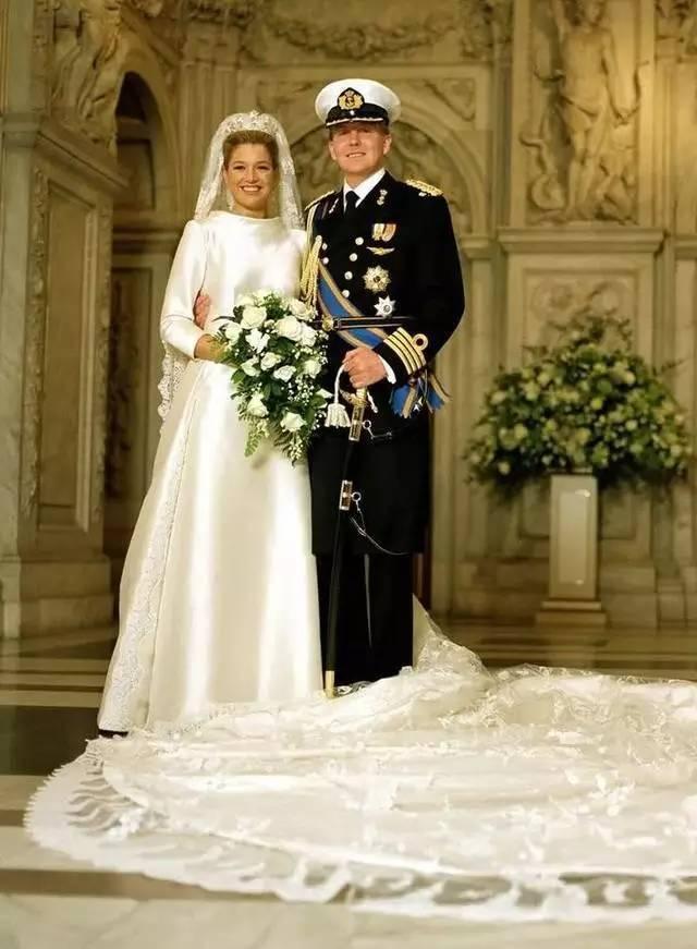 欧洲皇室婚纱_欧洲皇室宫廷婚纱