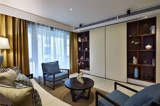 客厅没拥有拥有放电视,用柜儿子的门板做幕布匹,壹台投影仪就能把客厅打形成图片