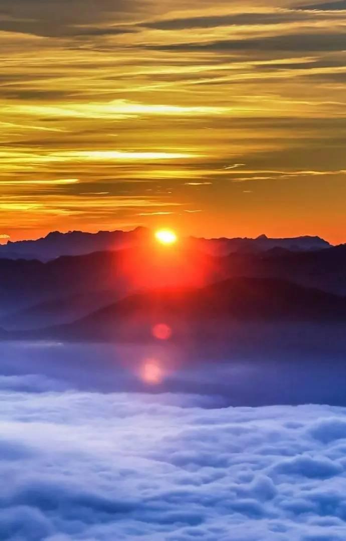 早晨的太阳图片图片
