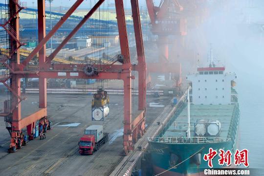前7月中国服务进出口总额同比增10.6%逆差明显收窄