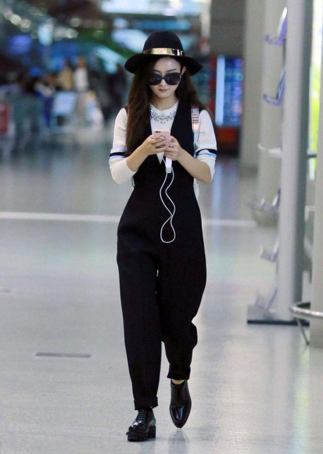 可少女可御姐,赵丽颖甜美型女生的穿衣之术!