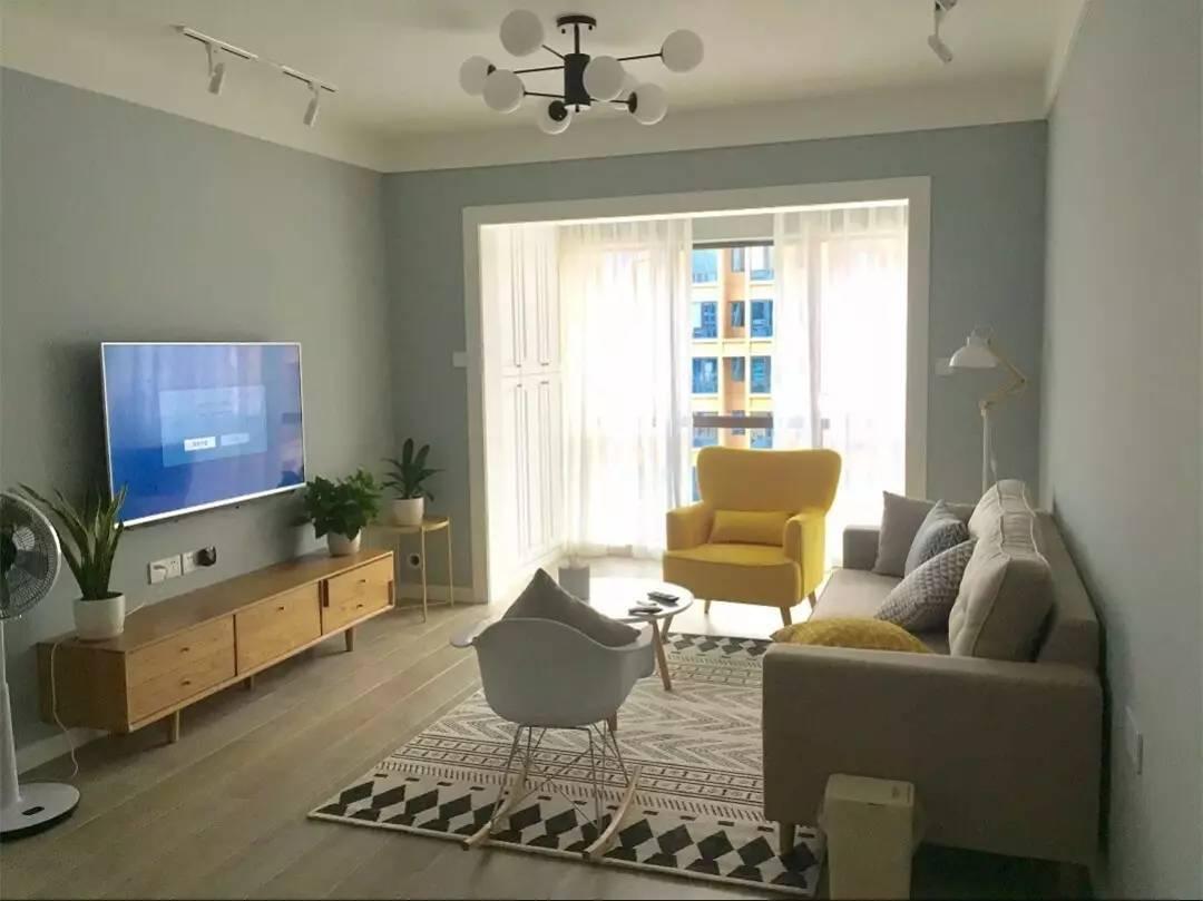 客厅和阳台连一起,窗帘怎么挂好