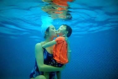 万科城市营地之水鸭子国际亲子游泳俱乐部