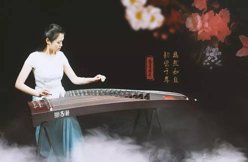 的歌_古筝名曲《秋夜思》青年古筝演奏家黄宝琪老师演奏