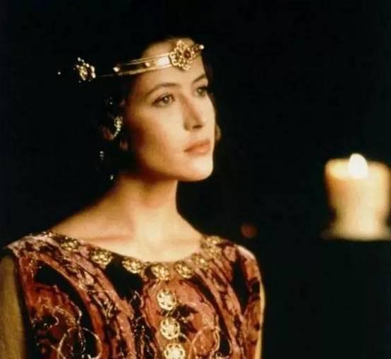 《芳芳》在戛纳电影节上广受国际,影视巨星的好评正向她慢慢打开.海好大门电影图片