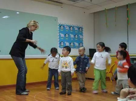 游戏篇:课堂英语课前小学v课堂游戏15个常用七彩答案幼儿图片