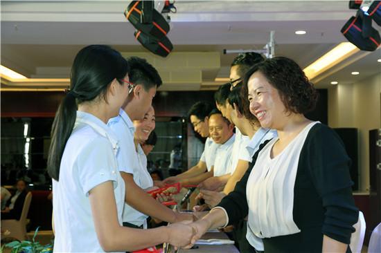 不忘初心____筑梦未来--盱眙都梁教育集团庆祝第三十三个教师节表彰大会侧记