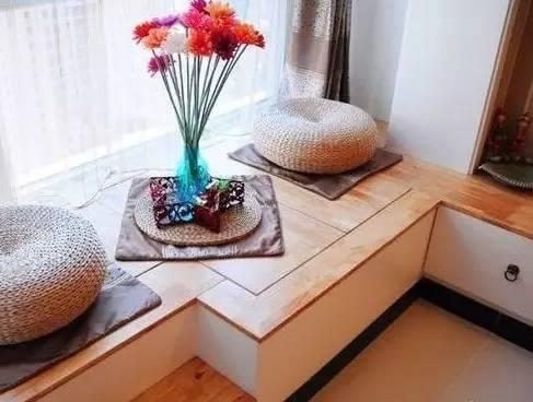 一般表面最常用的是实木地板,其他木质材料也可以.