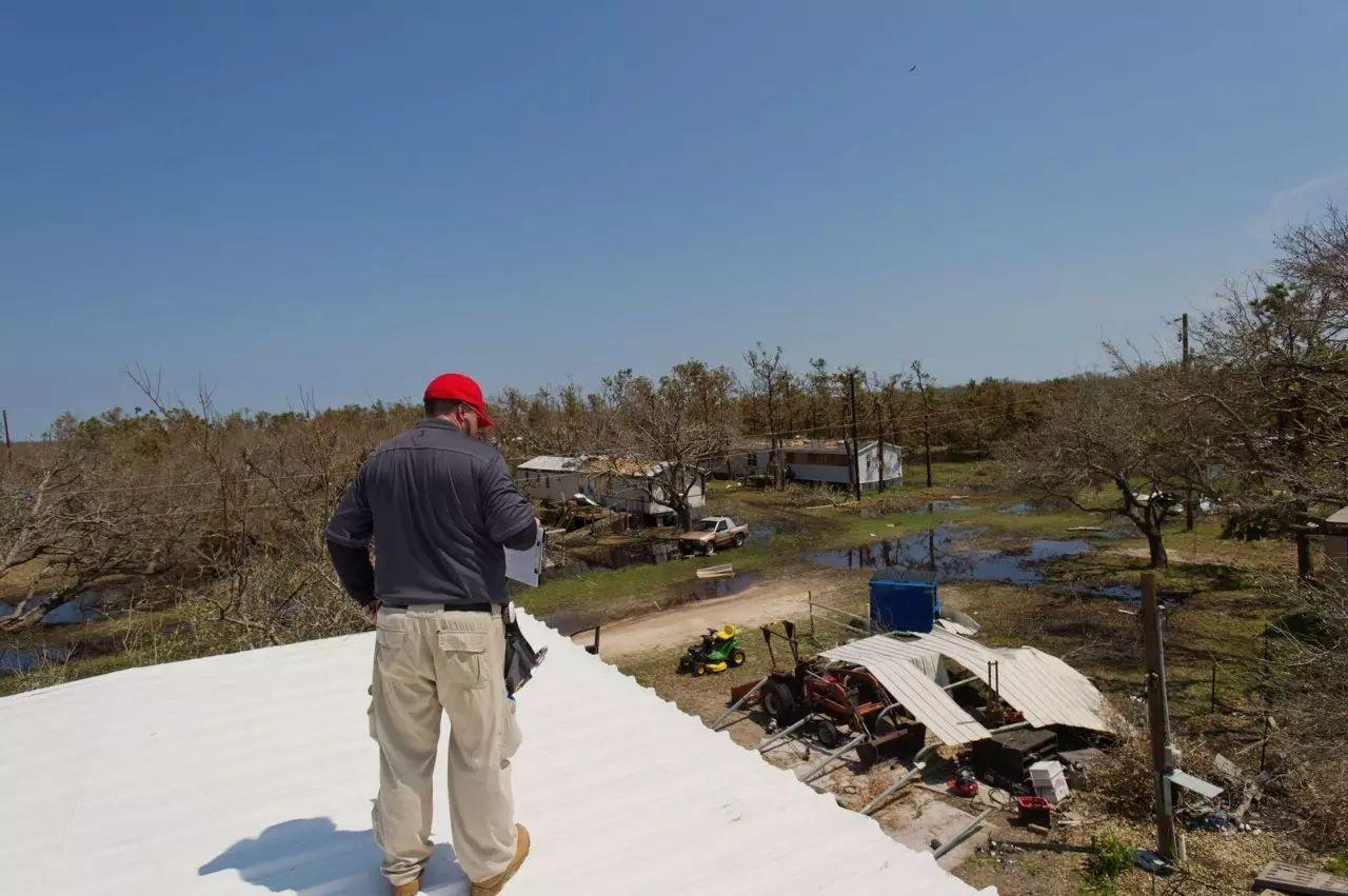 权威报告 | 飓风伤害了谁?债券投资者和财务脆弱人群首当其冲