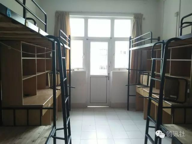 定海校区多为六人一间(少数四人寝室),四张上铺,两张下铺,有独立卫生图片