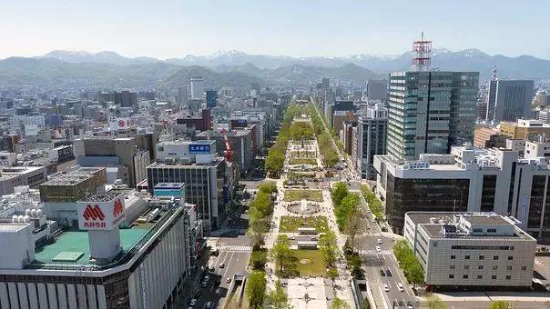 札幌,一个除了繁华还带有一丝文艺的地方。