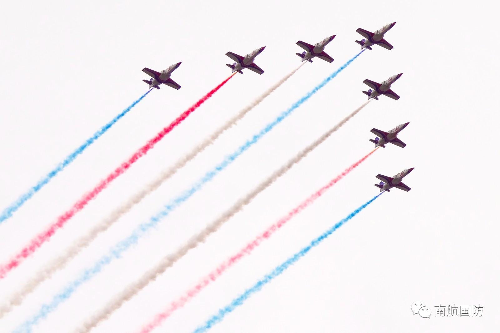 南航空飞天_【高校新闻】飞天的梦想,从这里起航   南航举行2017级新生军训动员