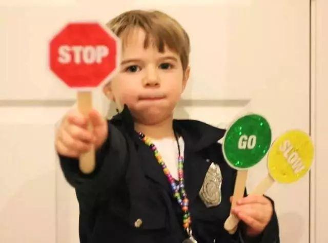沃顿商学院教授:也许你正在毁掉孩子天生的思考力(中枪的举手)