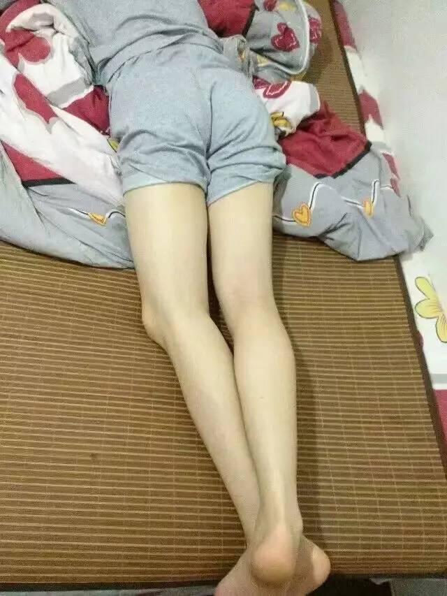 大玻妺色网_一大波连女生都会嫉妒的逆天腿照