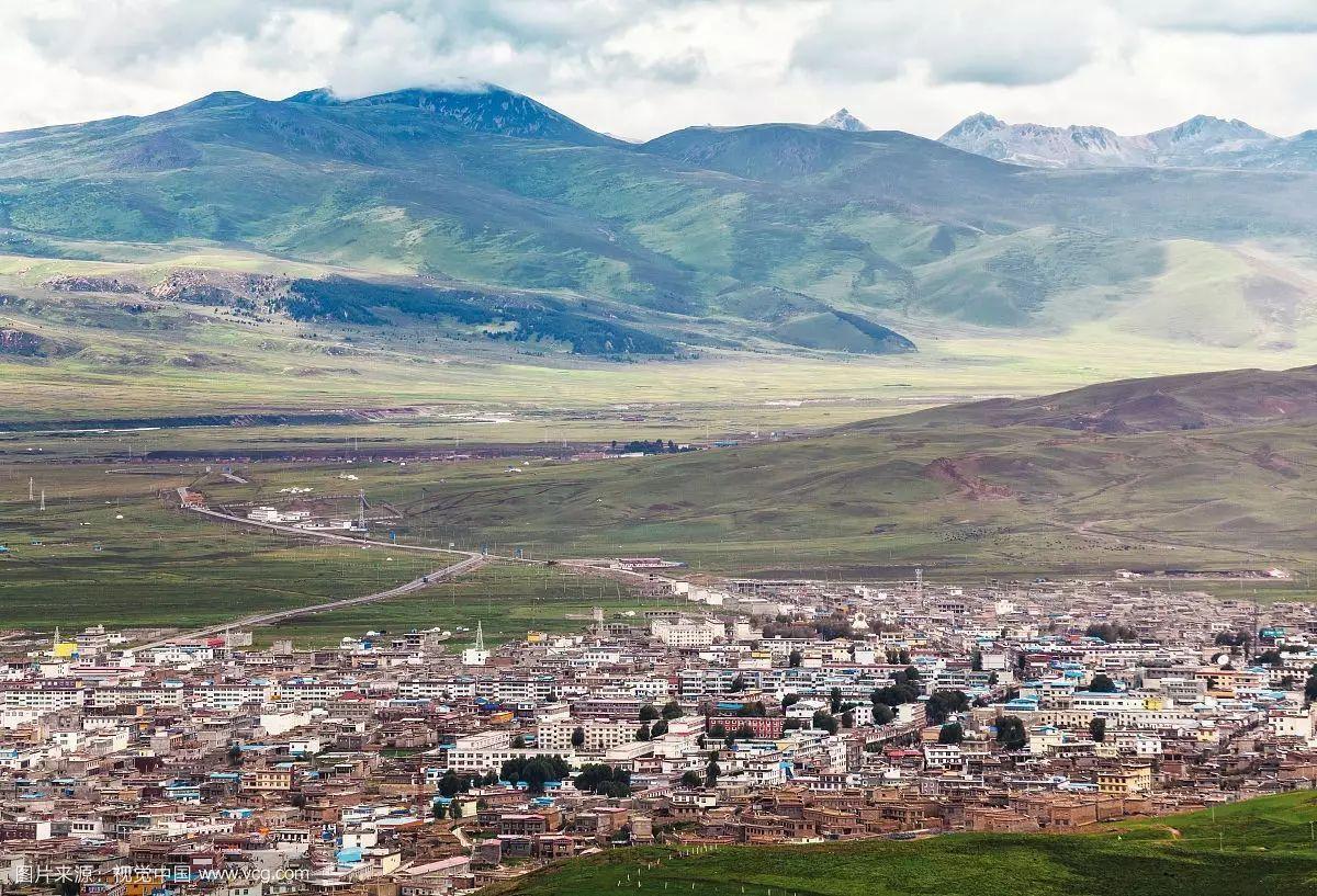 四川省甘孜藏族自治州理塘县拉波乡卫星地图-查字典卫星地图网