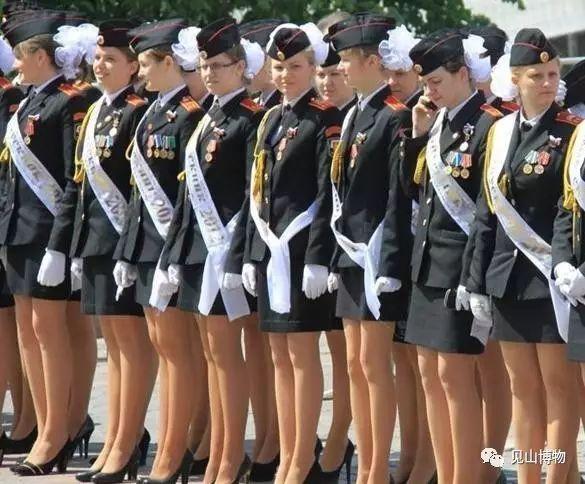 日本海上自卫队军服_制服控 各国军校的那些漂亮制服