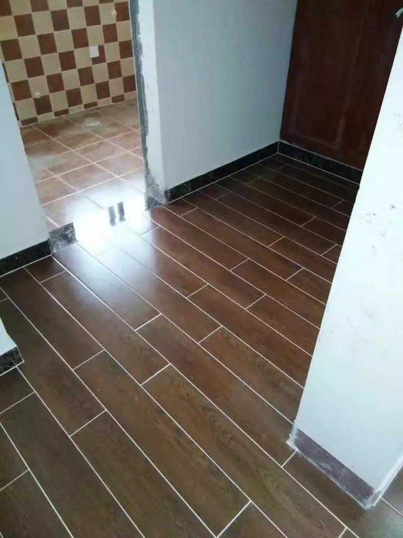 装修铺瓷砖好还是木地板好,都可以用奥柯达美缝剂吗?