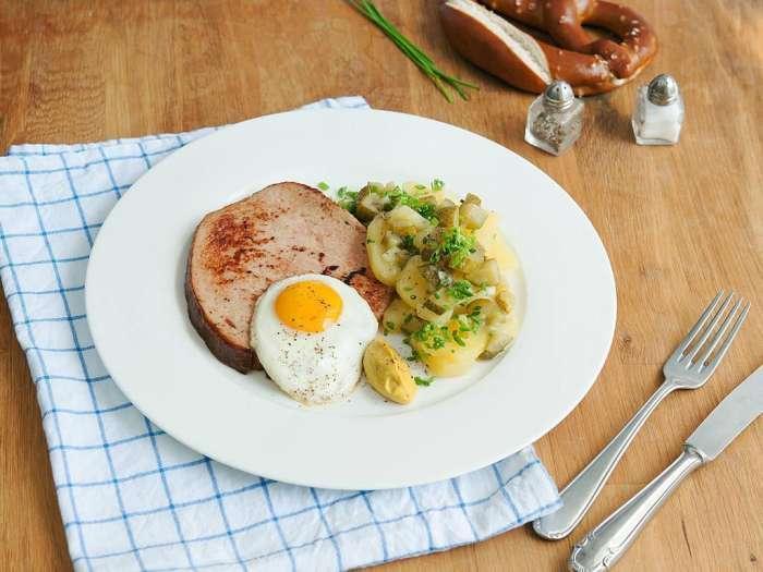 巴伐利亚香煎肉糕佐土豆沙拉