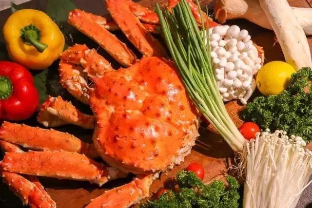 ¥388/2位 炒蟹,蟹火锅,蟹寿司,蟹黄饭……帝王蟹的多