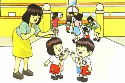 济南家长送孩子上学忘带接送卡,孩子门外淋雨,老师站在传达室看图片