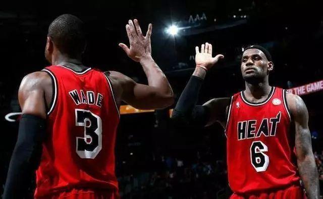 在NBA里有一種感情叫做詹韋情深(影)