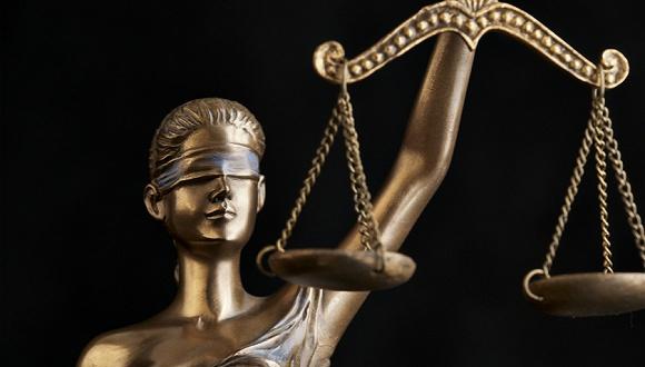 福建14年前孕妇分尸案再审宣判:一家五口改判无罪 缪新华当庭释放