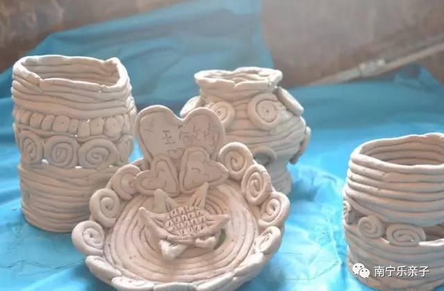 泥条捏制成的碗,盘,花瓶机动车检测站违规操作的说明图片
