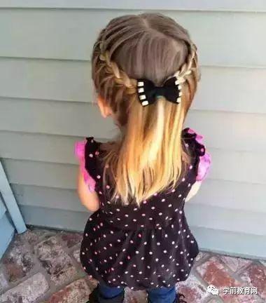 时尚 正文  小女孩中分后梳编发公主头发型 小孩子梳公主头发型,什么