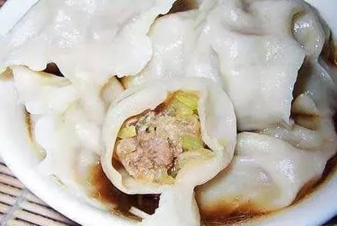 这个水果放进饺子馅里面,吃下去有种清新的味道,上桌立刻被抢光