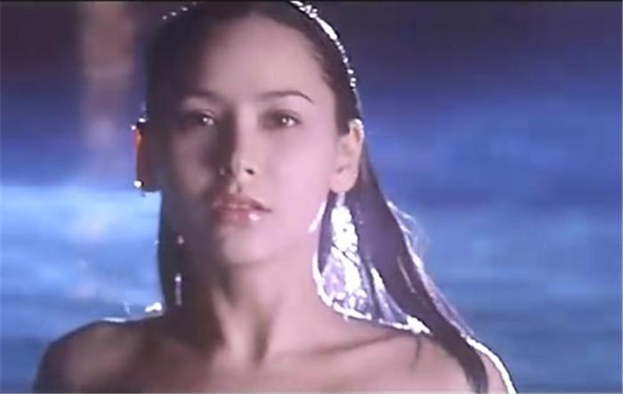 他们渐渐淡出了大众媒体的视野中,比如香港女演员阿曼达斯特朗.