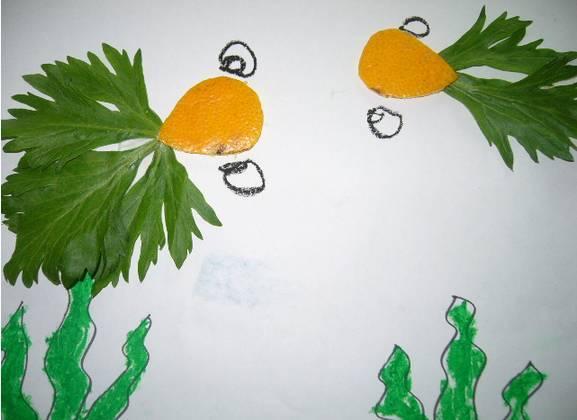 幼儿园树叶手工贴画