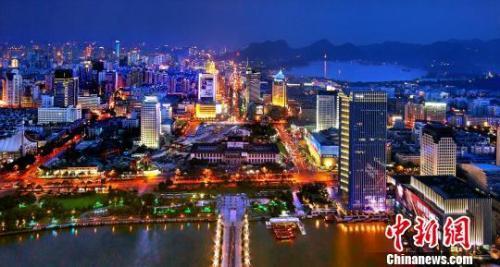 """""""新一线城市""""引发争论专家:有中心城市也需有卫星城市"""