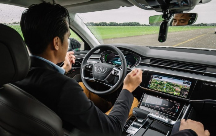 奥迪演示全新A8三级自动驾驶模式