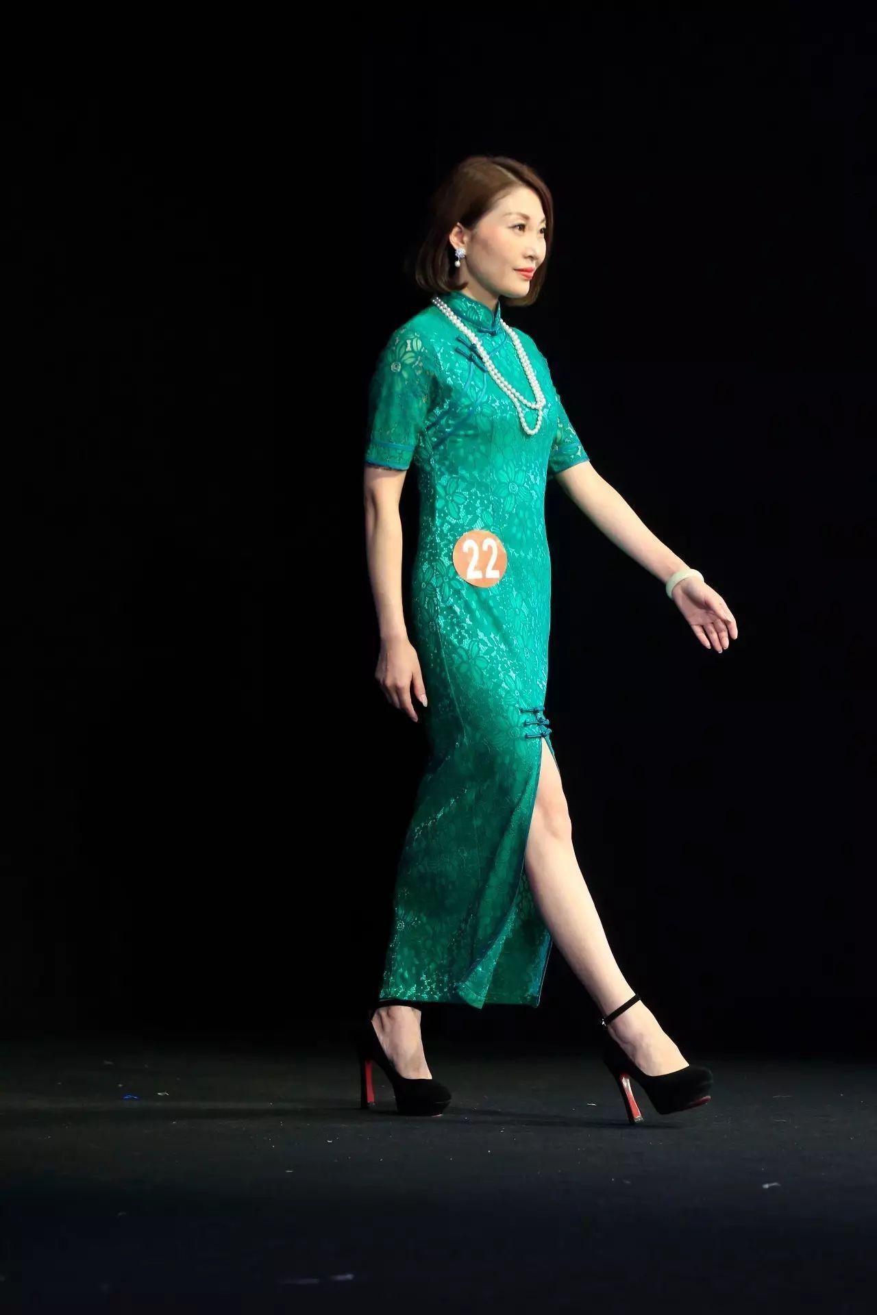 旗袍的风韵a旗袍,被Ta演绎得淋漓尽致_搜狐社诱惑卷发情趣内衣魅儿图片
