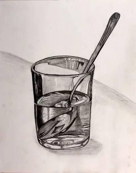 素描大神们画的玻璃器皿,学画画的时候最怕画这个了吧图片