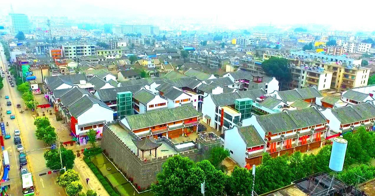 曲靖:会泽县委宣传部长指导古城街道创建文明城市... -中国文明网