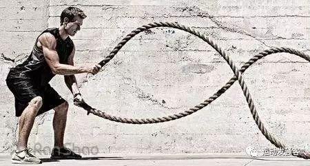 战绳训练,仅靠一根绳子就能高效燃脂,享受减肥的乐趣!