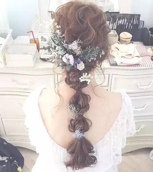 化妆师必收 | 最新森系鲜花新娘发型,长发短发都能美得如此惊艳!图片