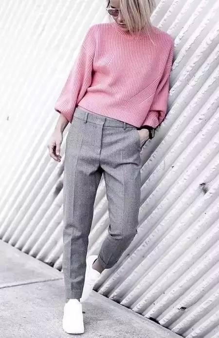驼色搭什么颜色的衣裤最显瘦!