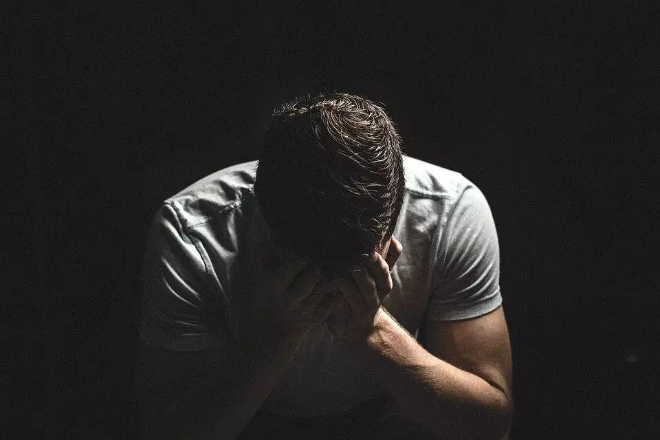 在遭受人生不幸后,怎样进行心理创伤恢复?
