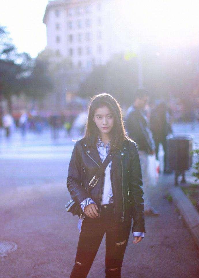 张雪迎街拍秀, 自称发图有瘾, 搭配清新有范, 将成为新一代街拍女神?