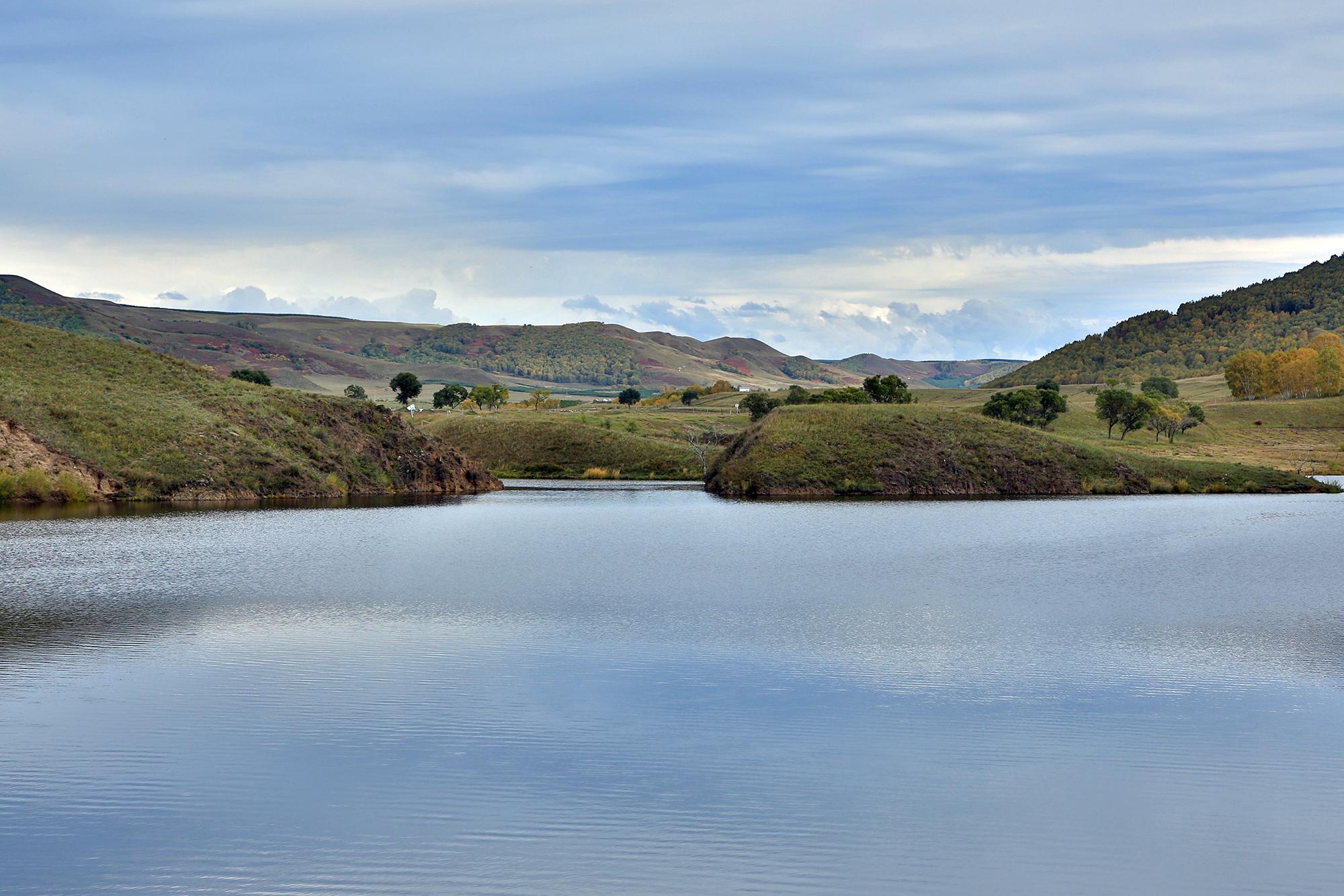 蛤蟆壩,這個沒有蛤蟆只有景色的草原,初秋色彩斑斕