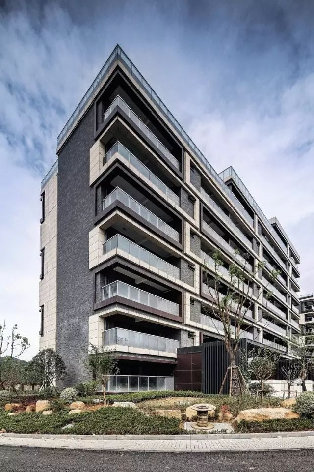 建筑设计:上海天华建筑设计有限公司