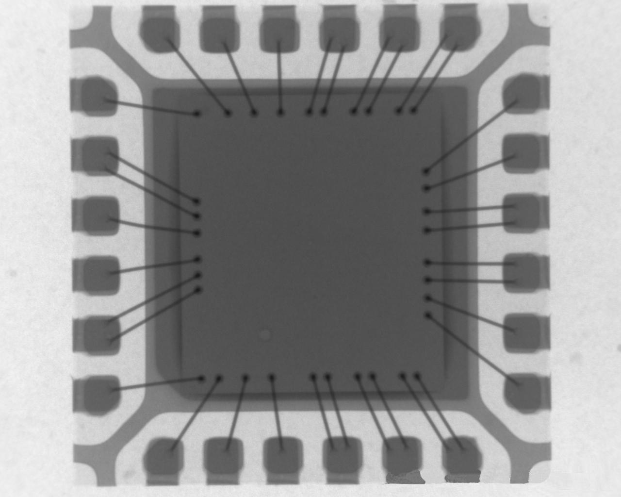 贴片24PIN-WQFN封装的芯片在X-RAY下的景象。