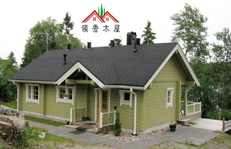 两层木房别墅设计图